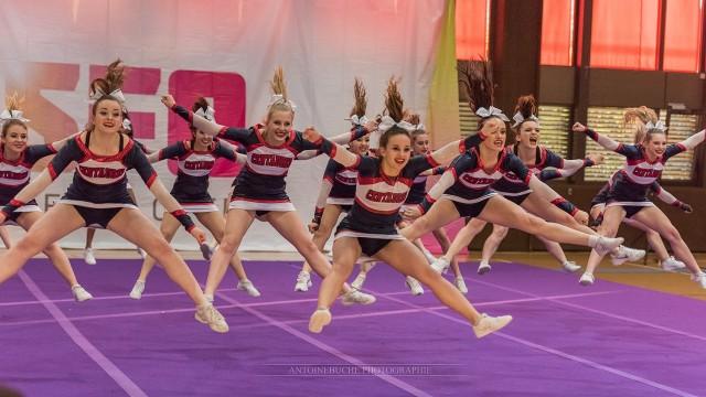 senior cheer